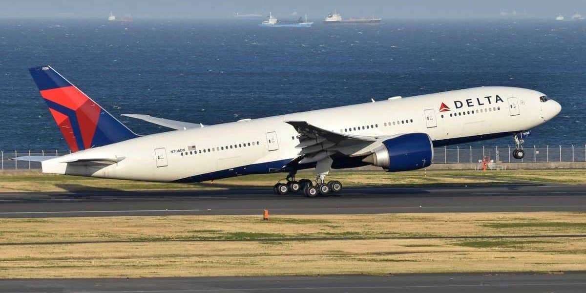 How to get Upgrade with Miles on Delta Airlines Flight?